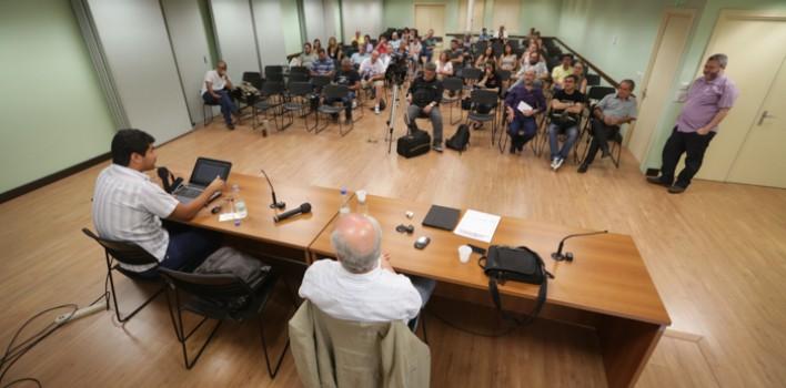 Seminário 82 anos SindBancários: instruções para romper cercos no sistema da comunicação