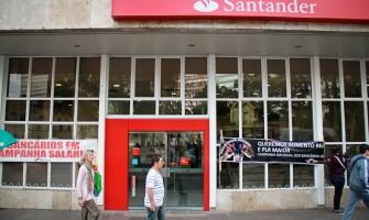 Santander já impõe novas regras da reforma trabalhista com prejuízos aos bancários