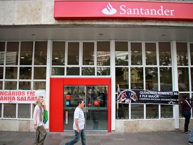 Agência do Santander é arrombada em Pelotas