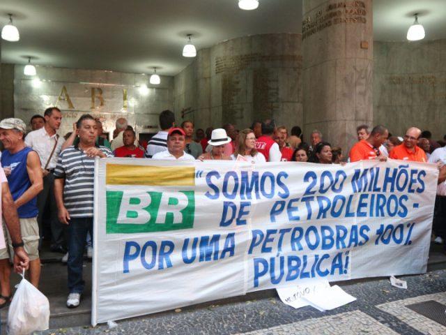 Para sindicatos, 'massacre midiático' à Petrobras esconde jogo para mudar ...