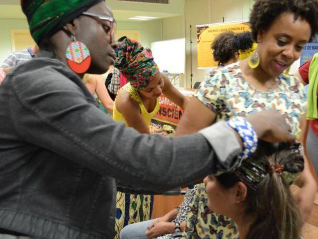 """SindBancários promove oficina """"OLUCHI"""" em homenagem ao Dia Internacional ..."""