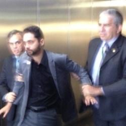 Manifestantes são presos por protestar contra a Globo na ...