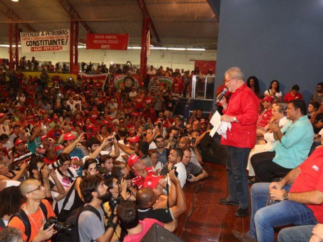 Plenária Nacional com Lula reafirma unidade dos movimentos pró...