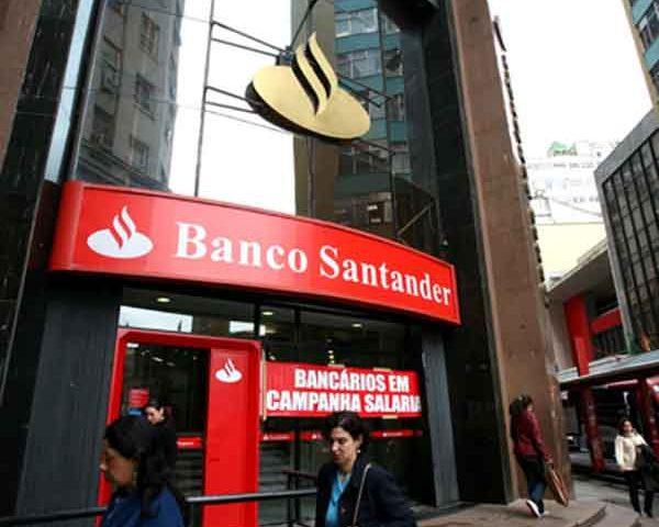 """Santander indenizará bancária que trabalhou oito anos em """"porã..."""