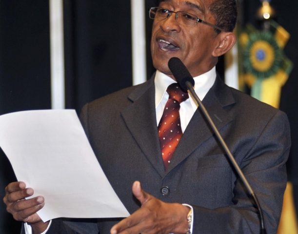 Vicentinho pede veto de Dilma ao PL 4330: 'É a morte dos ...