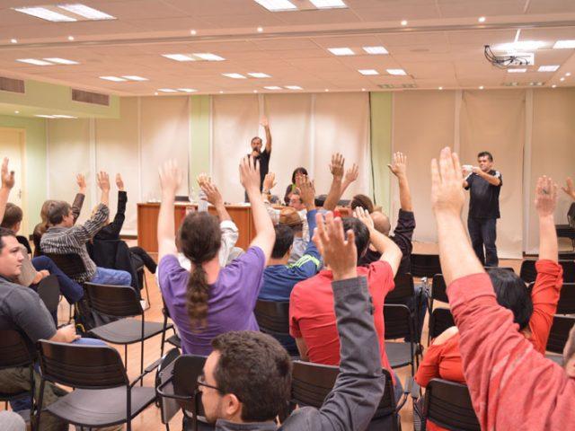 Bancários decidem por unanimidade em assembleia participar de paralisaçã...