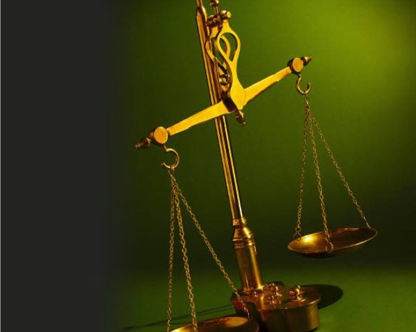 Justiça reconhece vínculo entre promotora terceirizada e Santander
