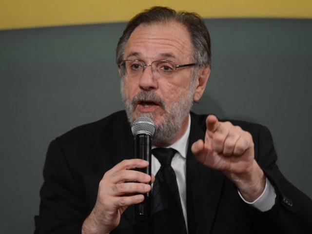 Ministro Rosseto aponta que é preciso regulamentar os terceirizados, não ...