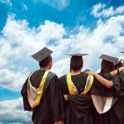Funcionários do Santander podem concorrer a bolsa de estudo