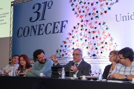 Nassif defende novo modelo de desenvolvimento em debate no 31º Conecef