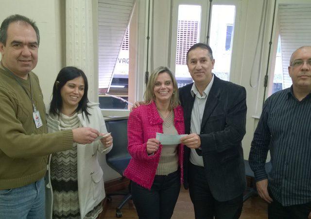 Colegas do Bradesco recebem no SindBancários os valores da ...