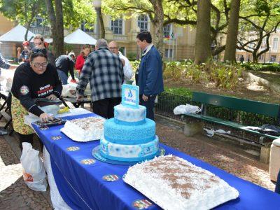 Bolo marca aniversário de 90 anos do Banrisul público neste dia 12
