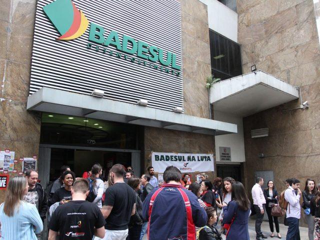 Colegas do Badesul fazem desta terça-feira, 20/10, Dia de Paralisaçã...