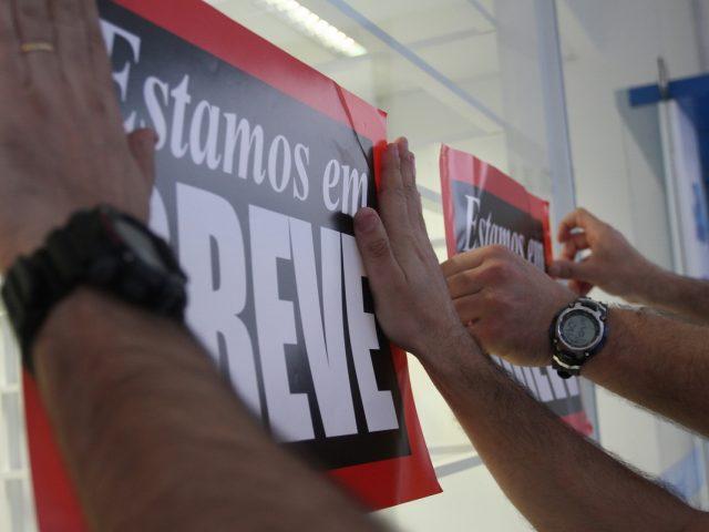 Bancários respondem à proposta indecente da Fenaban com greve forte ...