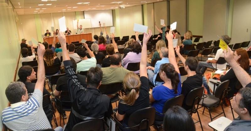 Colegas do Bradesco, Itaú, Santander e HSBC têm até 11/7 para postular horas extras em ação individual. Tire suas dúvidas!