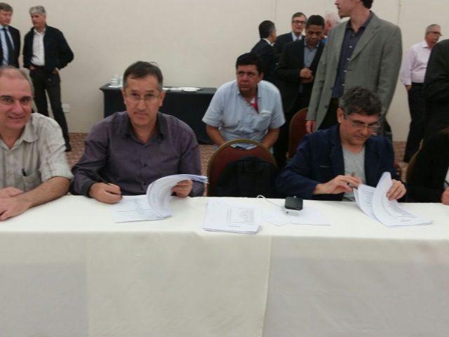 Bancários e Fenaban assinam 24ª Convenção Coletiva de Trabalho