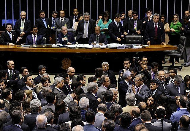 Mantido o veto de Dilma ao financiamento privado de campanhas