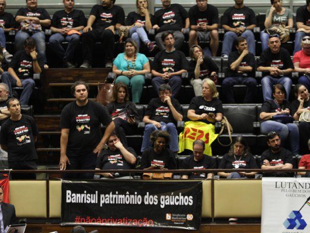 Força dos Banrisulenses faz bancada do Governo Sartori recuar ...