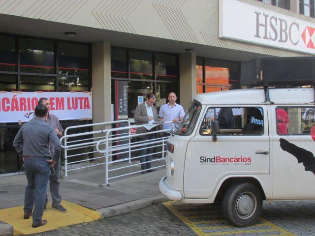 Luta em defesa do emprego no HSBC completa um ano