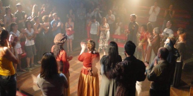 """Oficina de artes cênicas do Sindicato apresenta """"Breve História das Origens do Teatro Ocidental"""", no Teatro de Arena, dias 19 e 20/12"""