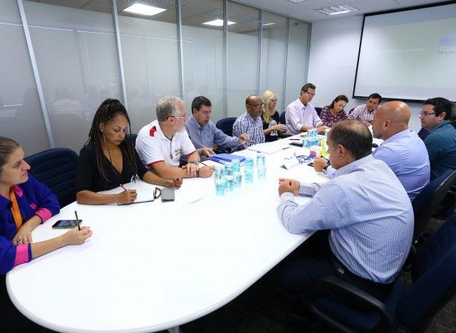 Bancários se reúnem com banco Itaú para debater ...