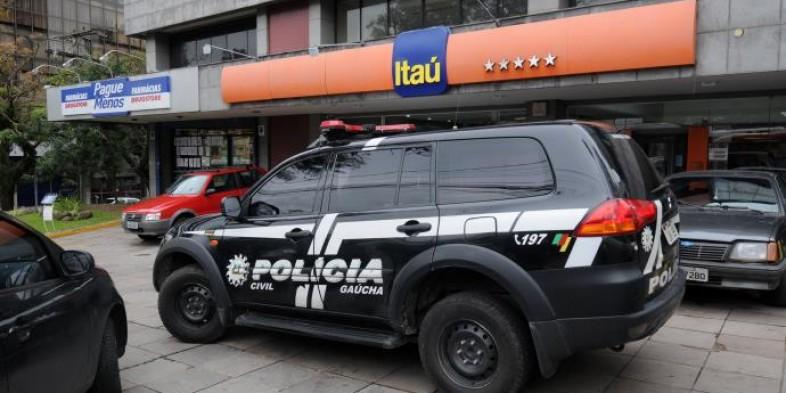 Criminosos fazem buraco em parede para invadir agência do Itaú em Novo Hamburgo
