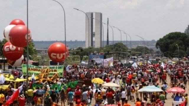 Sindicalistas têm ato em Brasília contra votação ...