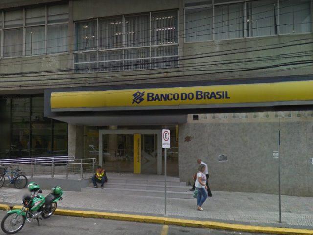 Criminosos atacam agência do BB em Rio Grande e ...