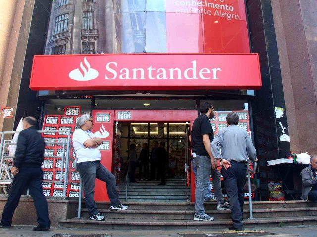 Sindicatos cobram e Santander vai pagar PLR no dia 20