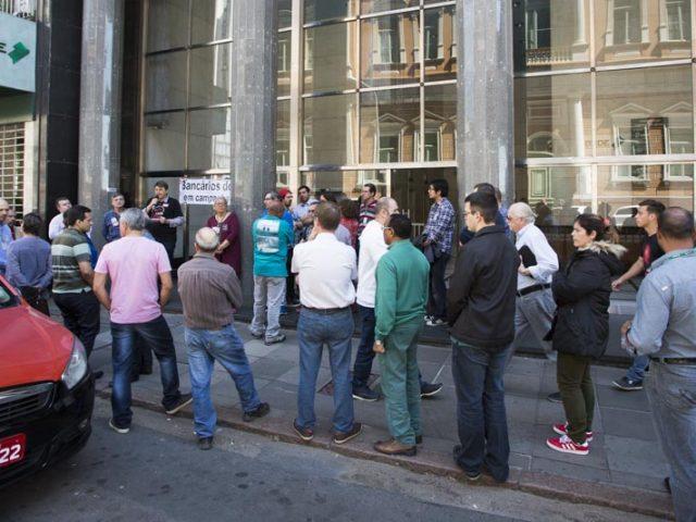 Bancários do BRDE decidem paralisar nesta sexta-feira, 30/9, para pressionar ...