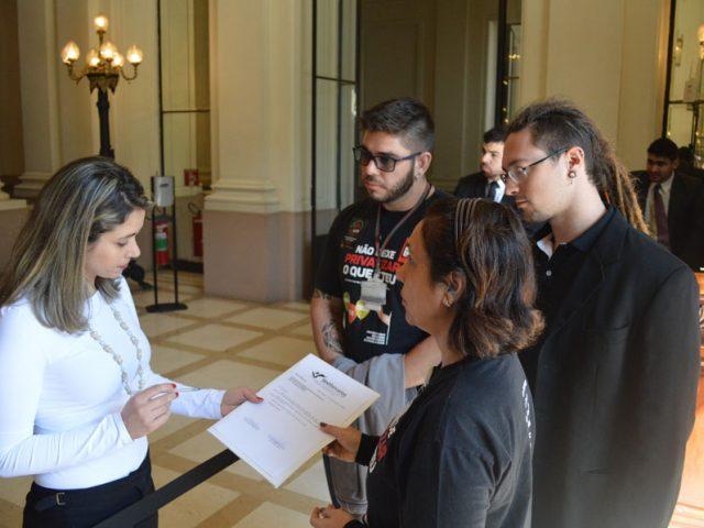 SindBancários e Fetrafi-RS protocolam pedido de reunião com ...