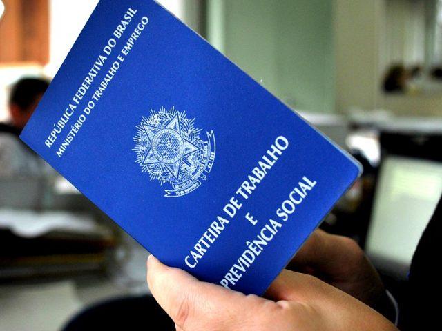 13º Salário deve injetar R$ 196,7 bilhões na economia brasileira ...