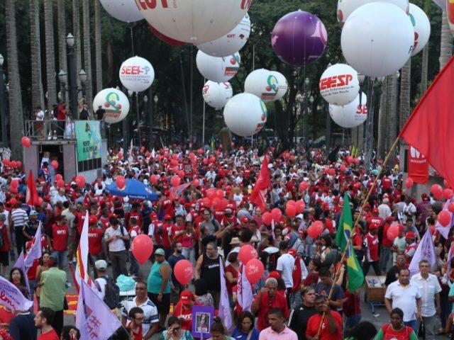 CUT e centrais marcam Dia Nacional de Greve e Paralisaçã...