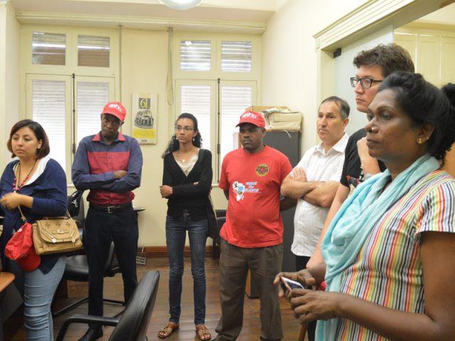Integrantes de movimentos sociais internacionais visitam SindBancários em intercâ...