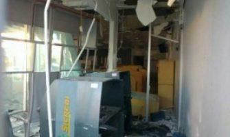 Falência da segurança pública: quadrilha explode agências do Sicredi e BB e leva pânico a São Sepé, na madrugada do dia 24