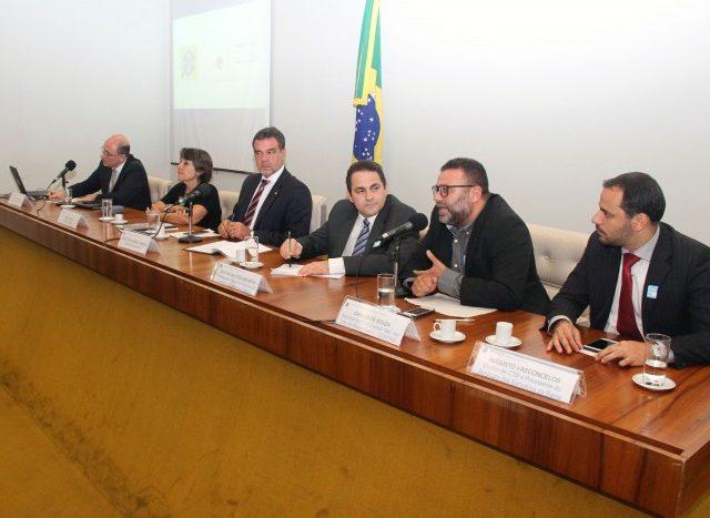 Contraf-CUT participa de audiência pública sobre reestruturação ...