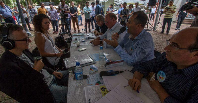 Ameaça ao Banrisul público lota debate na Praça da Alfândega e abre programação em defesa do banco