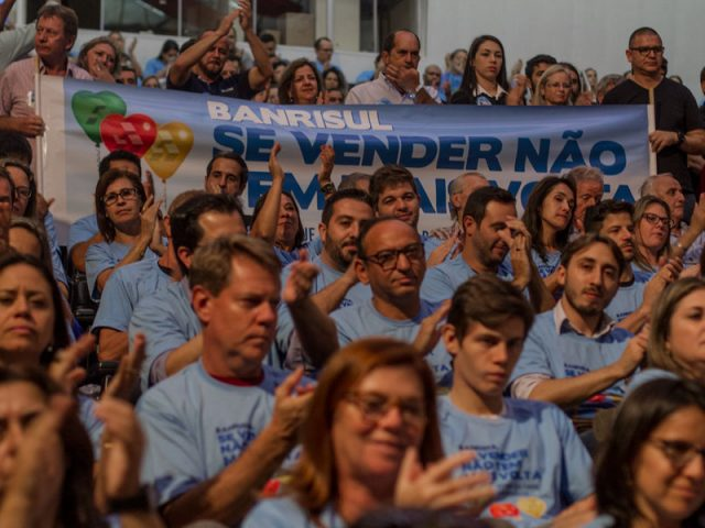 Banrisulense, vista a camisa azul da campanha e venha para ...