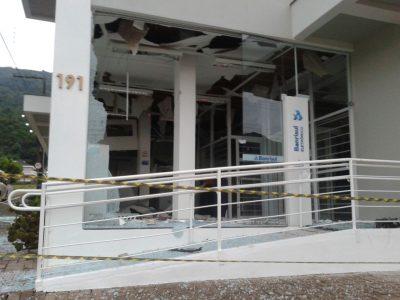 Criminosos explodem cofre da agência do Banrisul em São Martinho da Serra