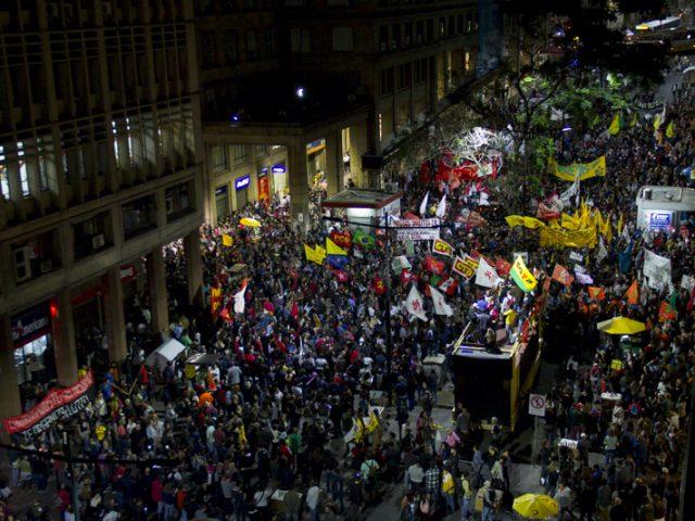 É tempo de trabalhador ocupar as ruas para barrar as reformas ...