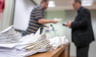 Sindicato já está fazendo a entrega dos cheques da ação do ADI na gratificação semestral aos banrisulenses