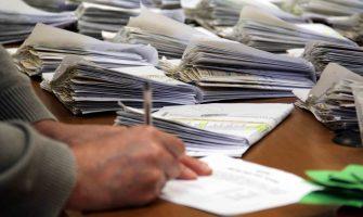 Assista ao vídeo da entrega de cheques de ação jurídica para Banrisulenses