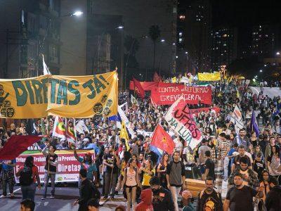 Ato em Porto Alegre denuncia que PM e Forças Armadas servem a um governo moribundo