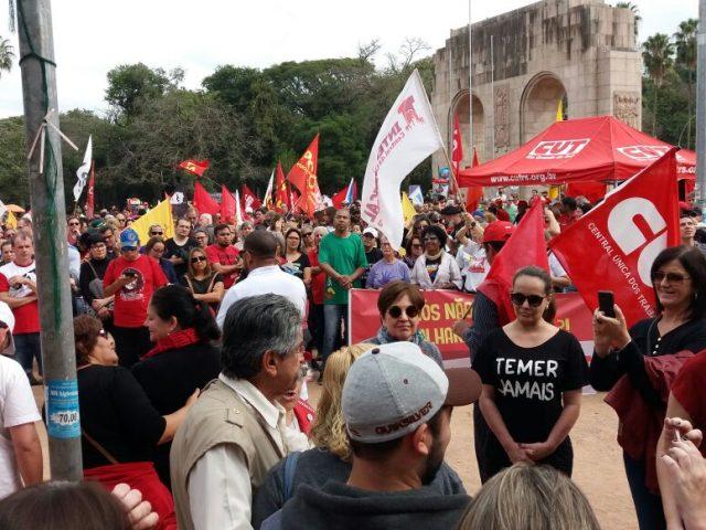 Em ato unitário de 1º de Maio, CUT-RS defende unidade ...