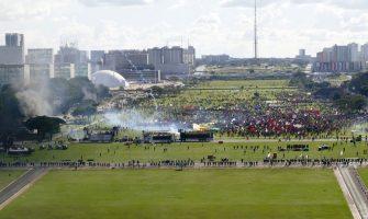 Dirigentes do SindBancários ocuparam Brasília para defender empregos, lutar contra reformas e exigir Diretas Já