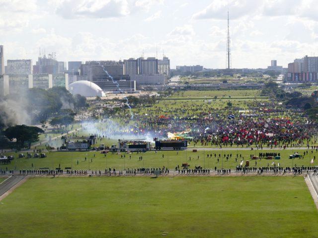 Dirigentes do SindBancários ocuparam Brasília para defender empregos, ...