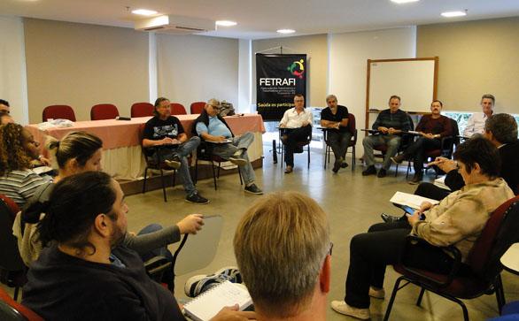 Projeto piloto do Santander expõe funcionários e exclui ...