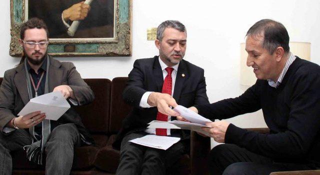 SindBancários repudia emenda que propõe venda do Banrisul ...