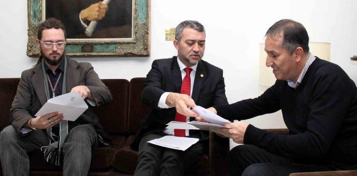 SindBancários repudia emenda que propõe venda do Banrisul por plebiscito na ALERGS