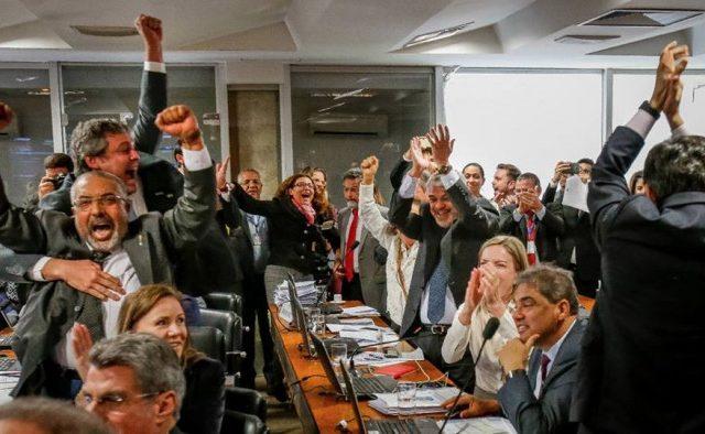 Oposição derrota governo e reforma trabalhista empaca no Senado